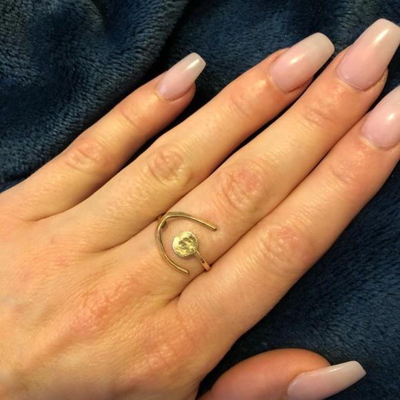 Crescent Moon Ring 🌙